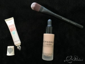 Contorno de ojos Benefit y Base de maquillaje Sephora