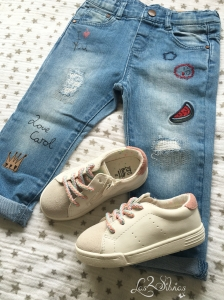 Jeans y zapatillas Zara Baby Girl