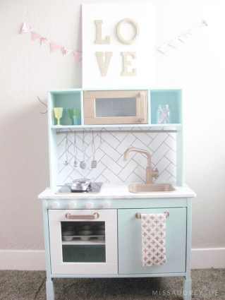 missaudreysue-play-kitchen1