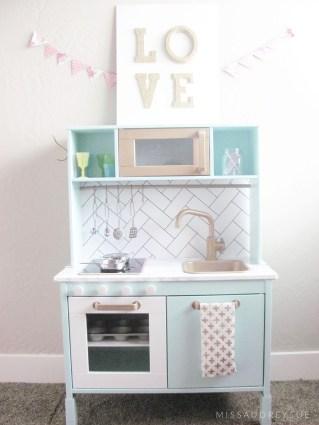 missaudreysue-play-kitchen1